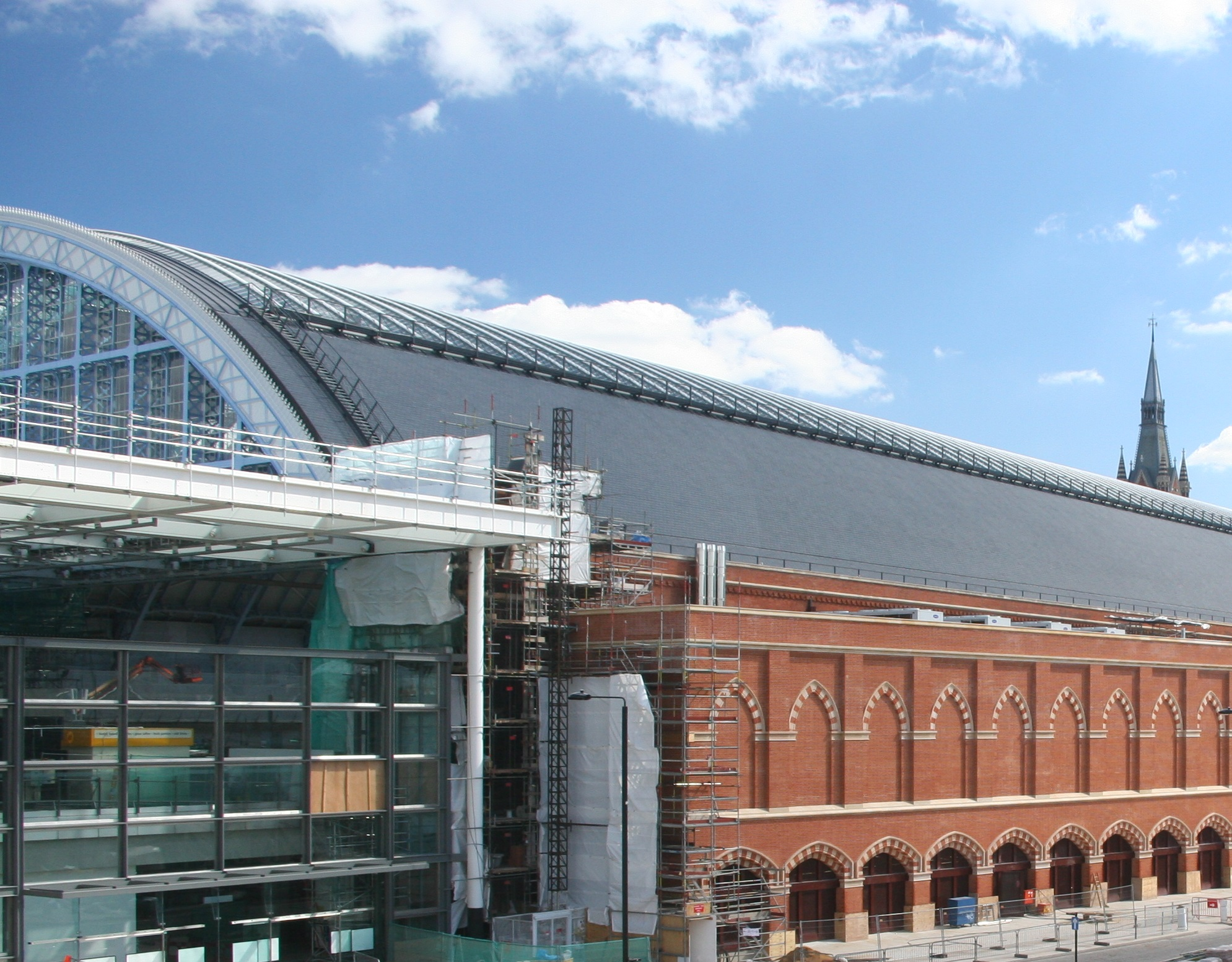 st pancras station brickwork